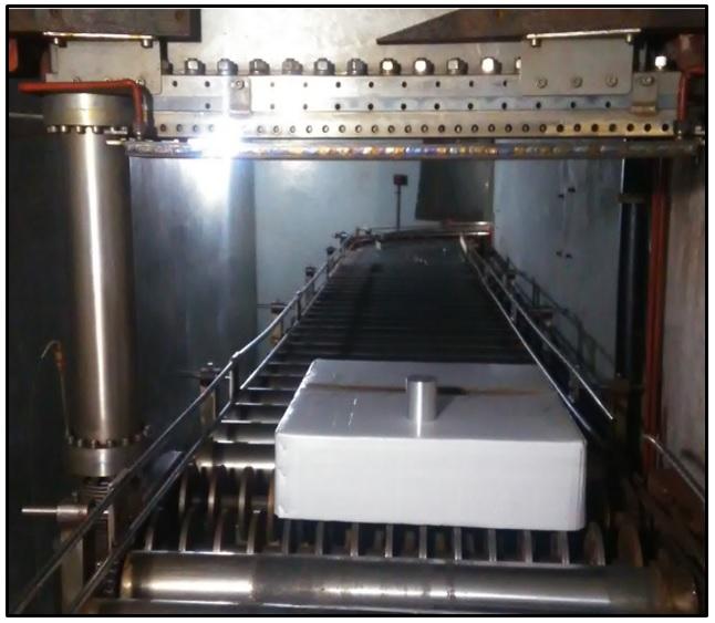 Figure 5  Bố trí thí nghiệm khi chiếu bia chuyển đổi tia X dưới máy gia tốc electron 10MeV UELR-10-15S2